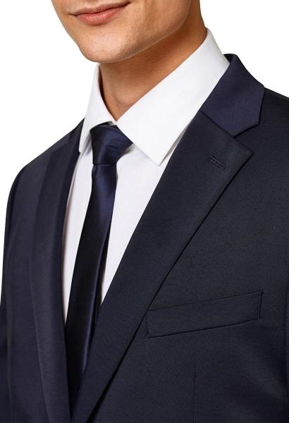 Cravate fine avec brillance